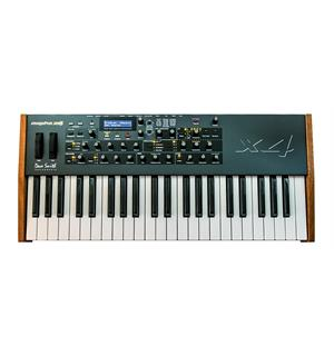 Dave Smith Mopho x4 4-voice Polyphonic Analog synth